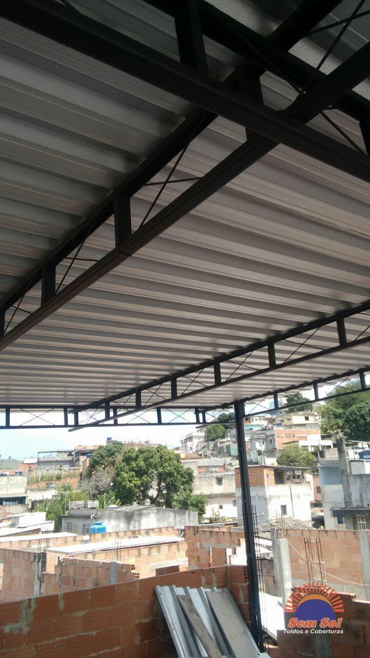 Toldo fixo de policarbonato Vila da Penha